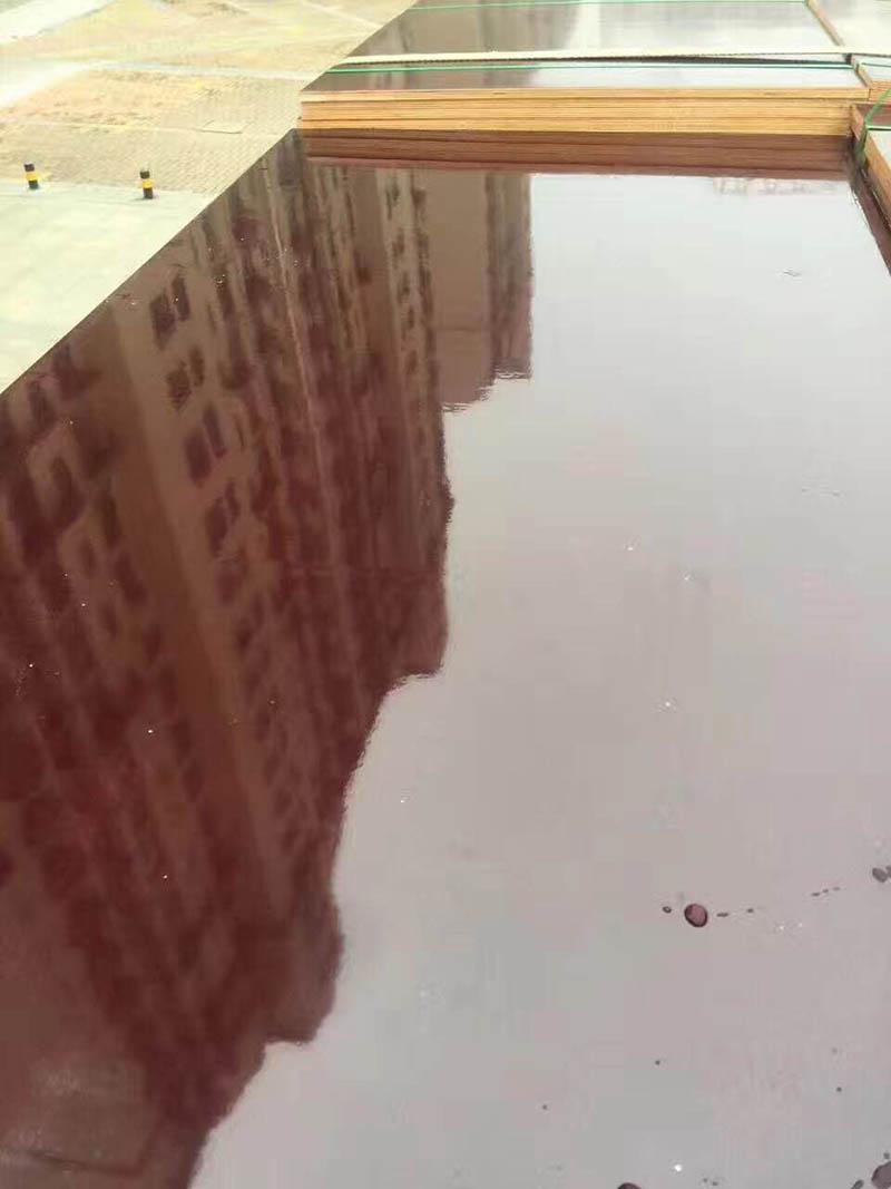 建筑模板表面光滑